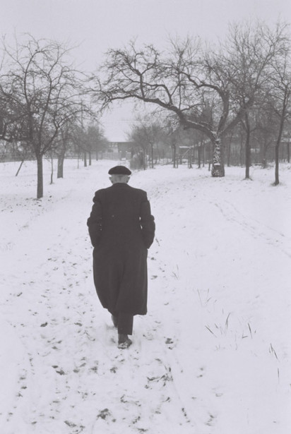 Robert Walser photograph - Simon Willis on The Walk and Other Stories