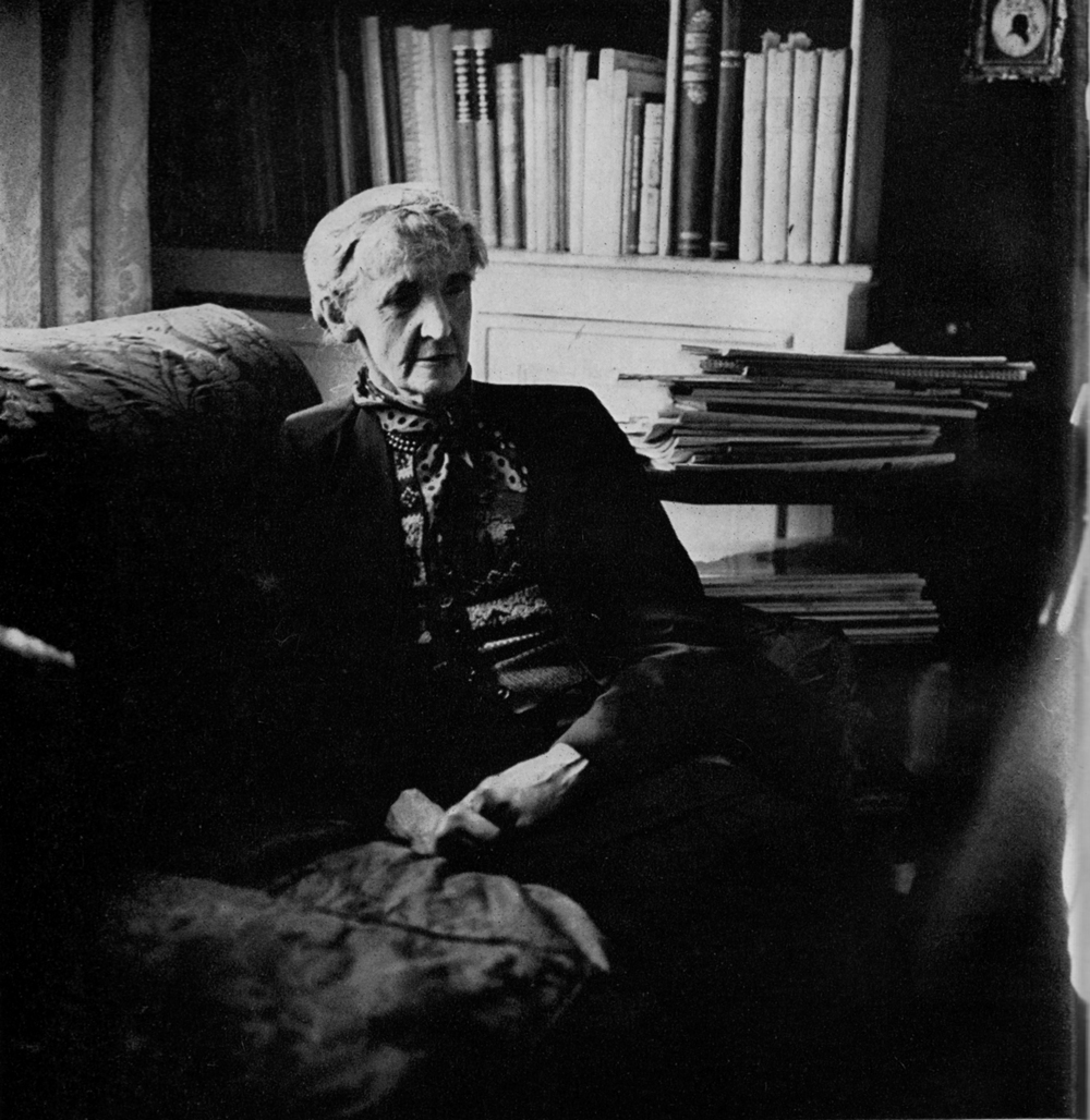 Amanda Theunissen, Rose Macaulay, SF 70
